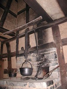 -cooking-pot-over-hearth